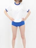 青色の体操服