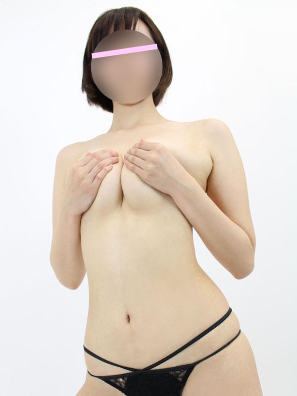 新宿手コキ&オナクラ 世界のあんぷり亭 うみな
